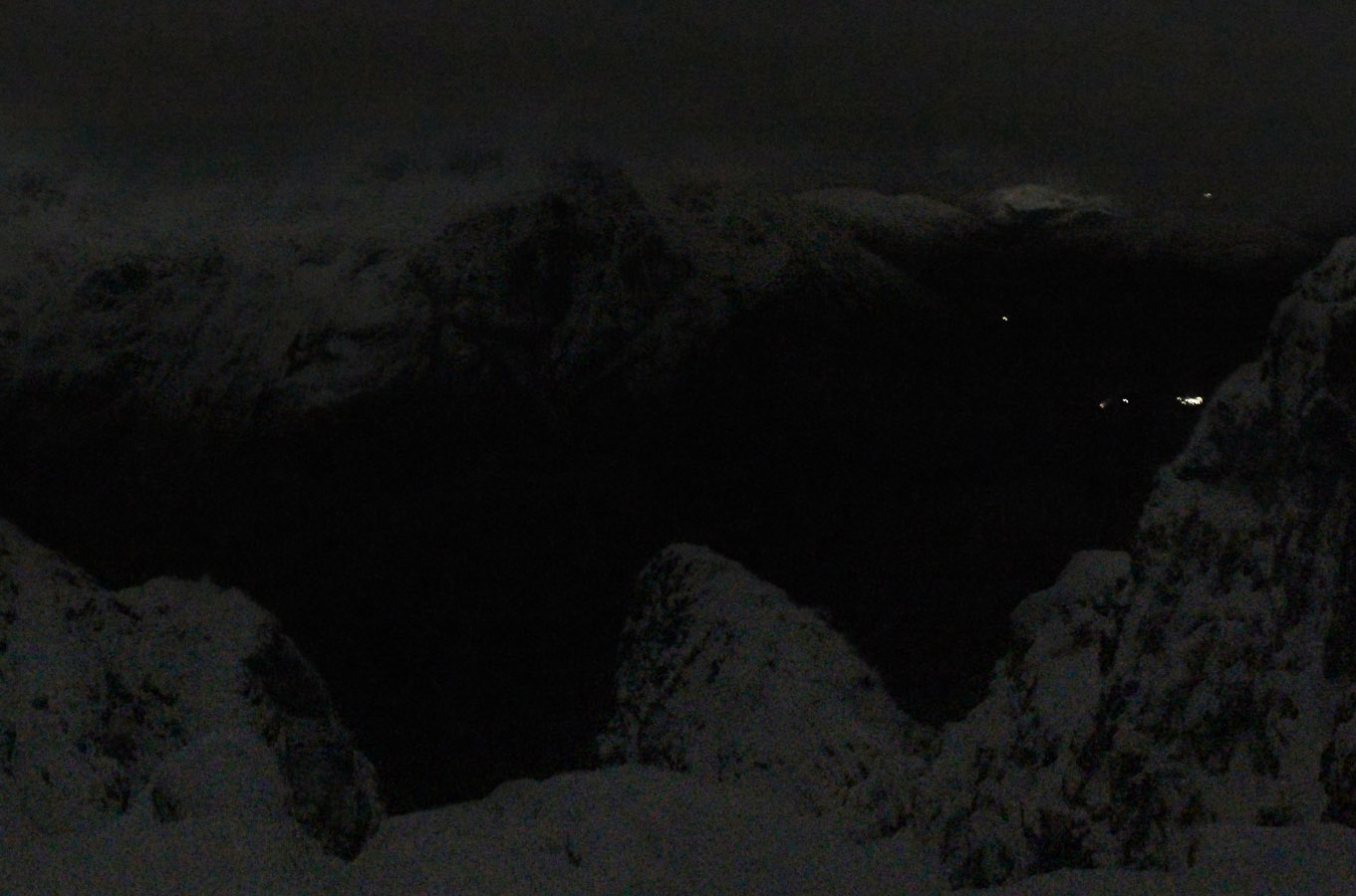 Nothing Like Bit Of Snow To Really Put >> Moonlight Winter Aonach Eagach November 2017 Kevin Woods